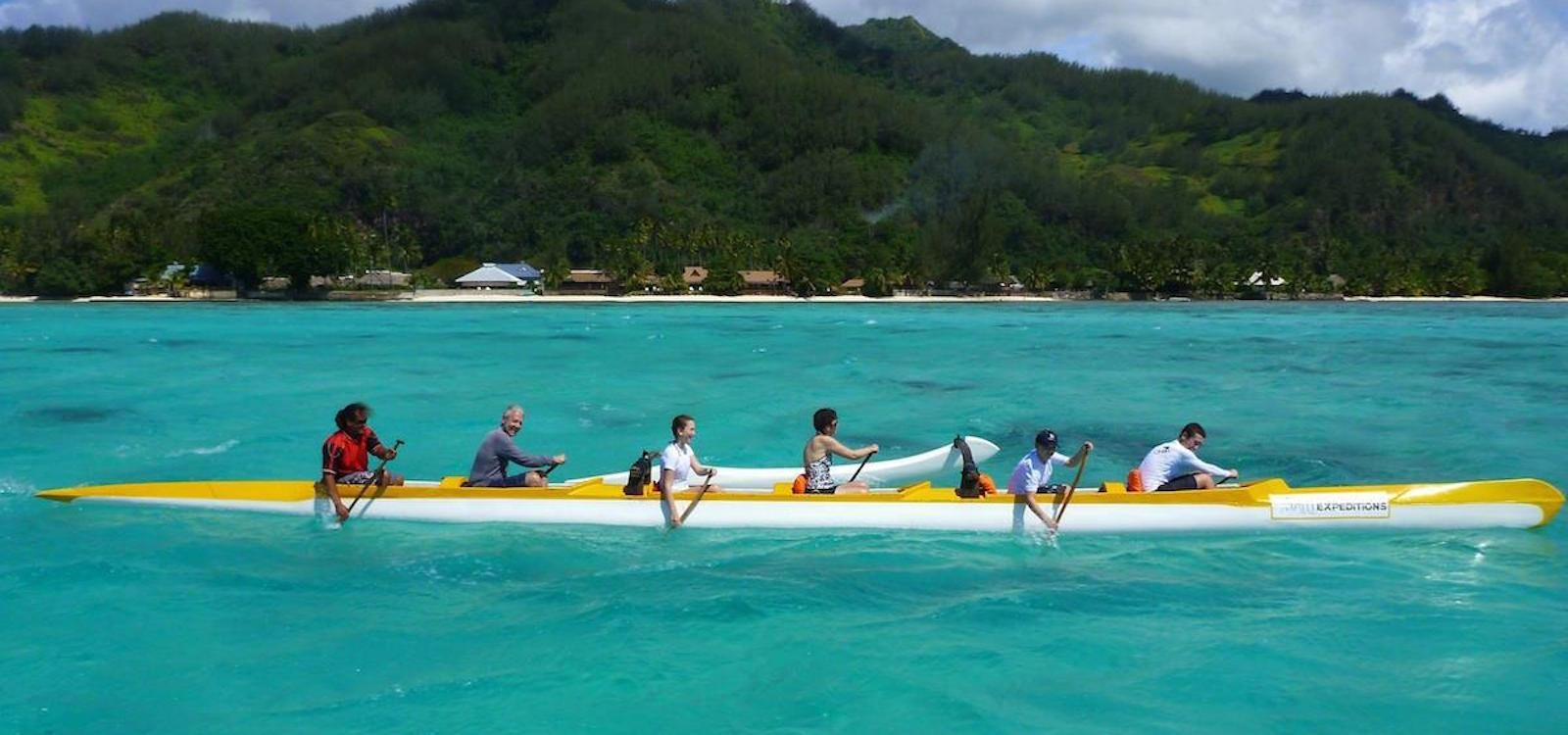 go paddling with the Tahiti Expeditions team